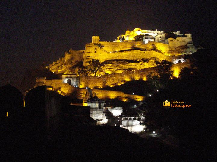 Kumbhalgarh fort at night.